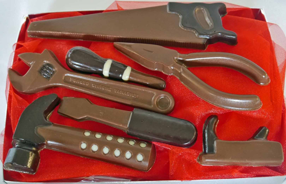 Hand-made chocolate tool kit